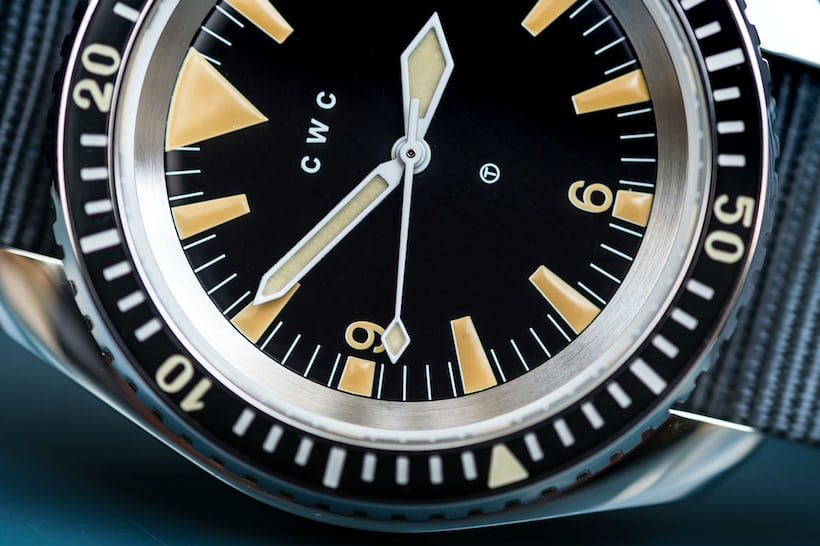 CWC 1980 Royal Navy Diver Re-Issue hands