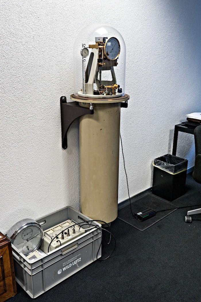 riefler type e pendulum clock