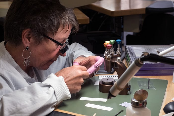 placing watch hands at Montblanc Le Locle