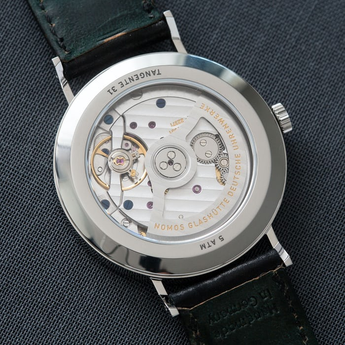 nomos tangente neomatik 39 silvercut movement