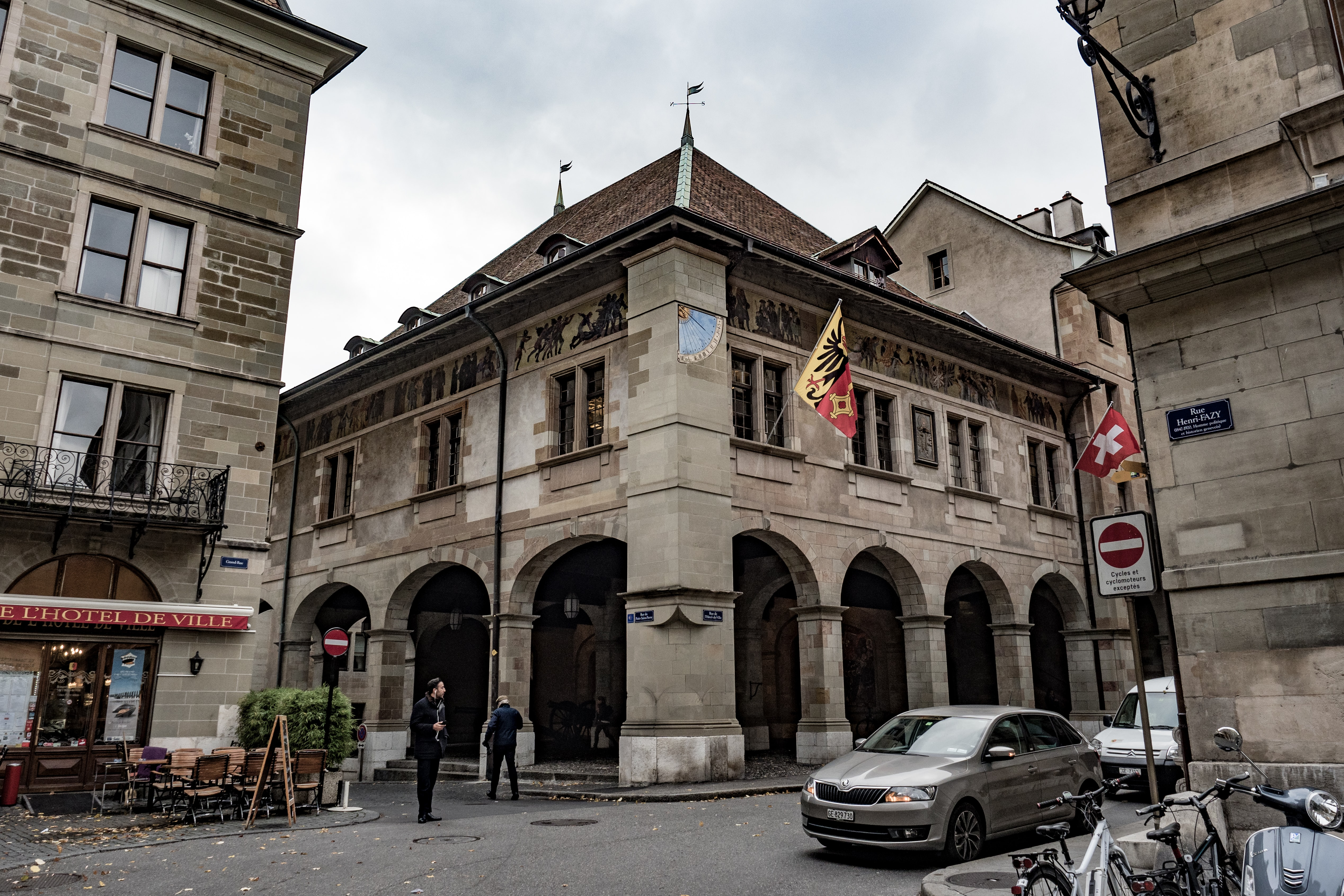 Dispatches: Public Clocks And Sundials In Geneva (Including That Church Clock Rolex Has Been Winding For 77 Years) Dispatches: Public Clocks And Sundials In Geneva (Including That Church Clock Rolex Has Been Winding For 77 Years) PB064030