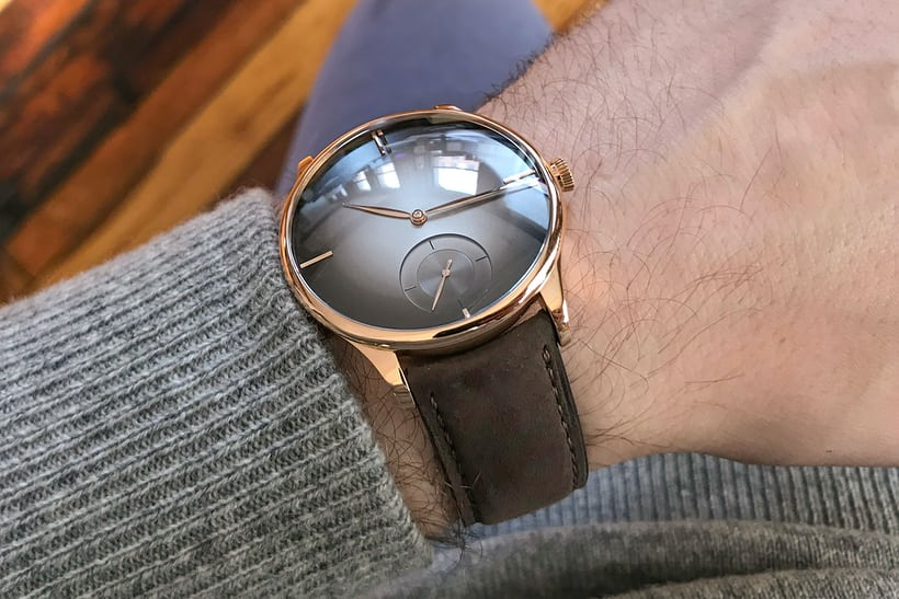 h moser venturer small seconds purity wristshot