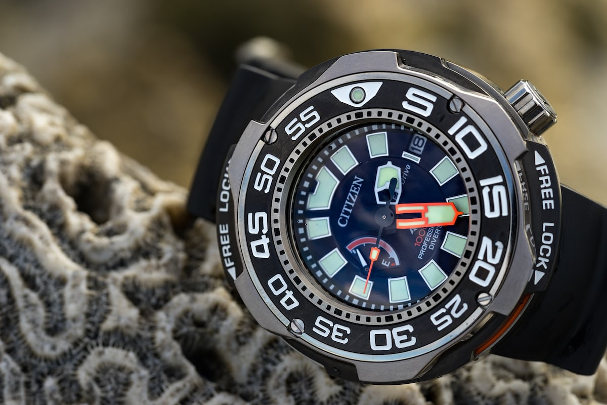 In depth underwater with the citizen promaster 1000m professional diver hodinkee for Dive watch