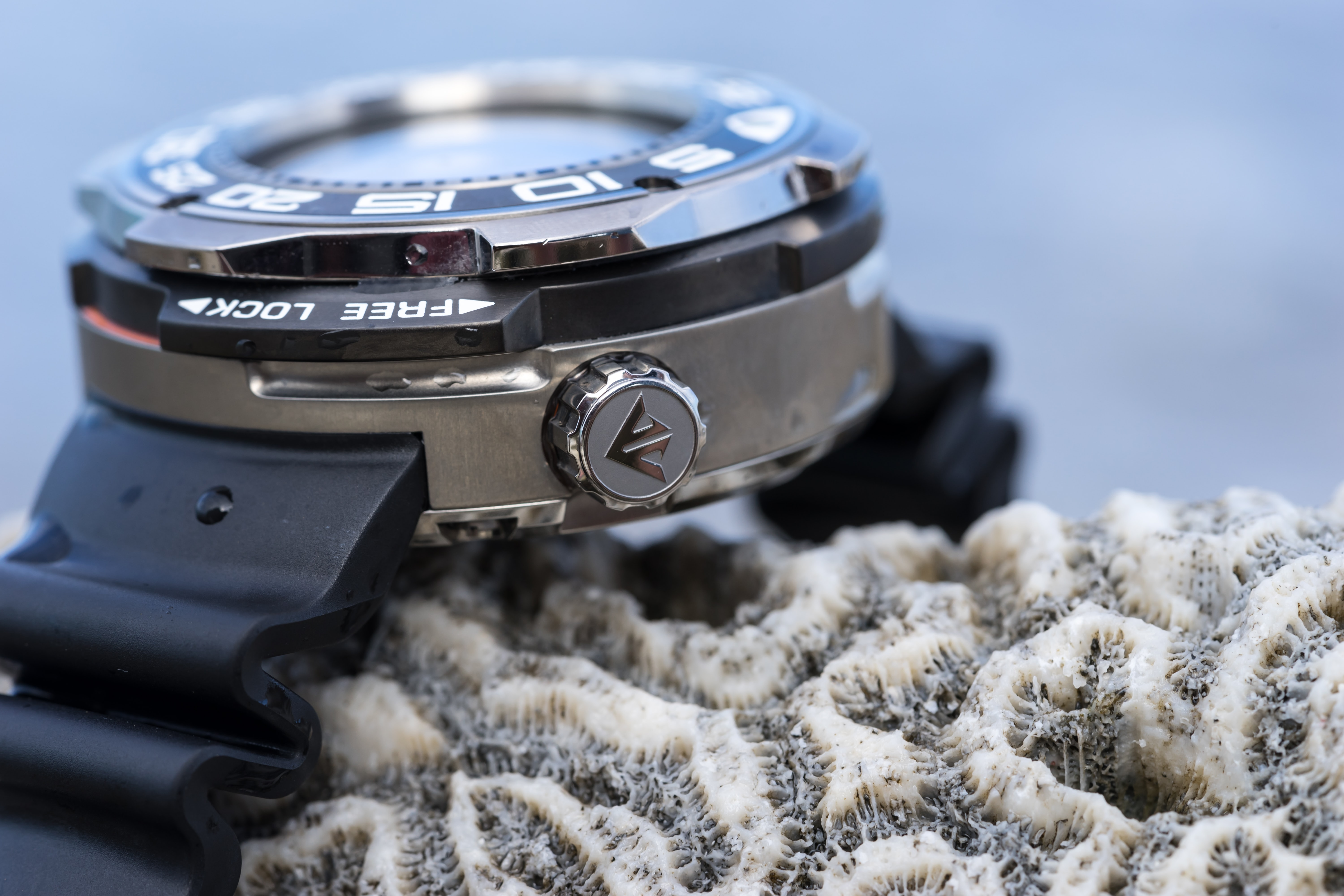 in-depth: underwater with the citizen promaster 1000m professional diver In-Depth: Underwater With The Citizen Promaster 1000M Professional Diver Citizen 10
