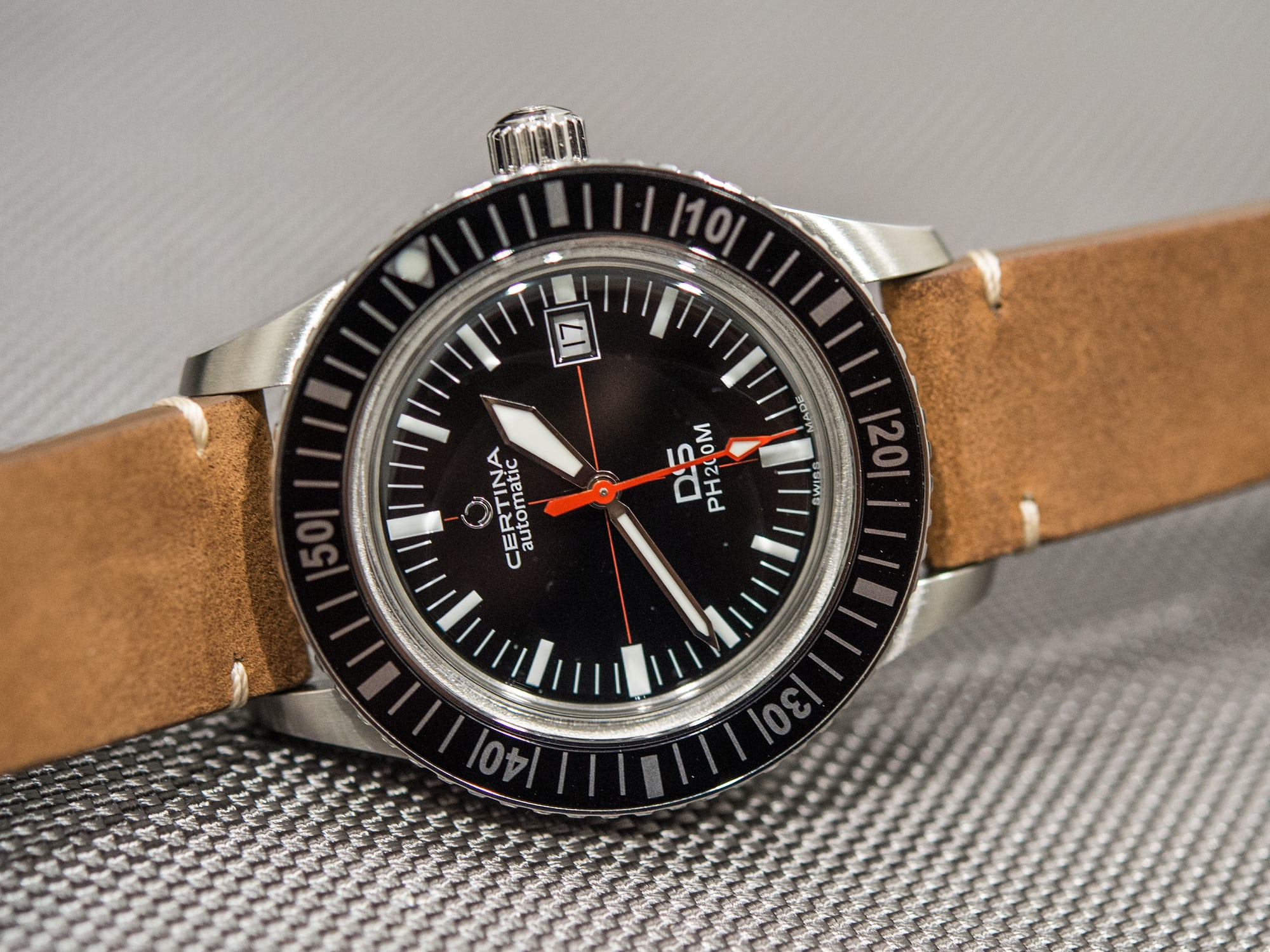 hands-on: the certina ds ph200m Hands-On: The Certina DS PH200M Certina 1