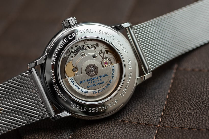 69b9dc769 Visible through a display case back, the Maestro 2239 uses a Sellita SW  280-1 automatic movement.