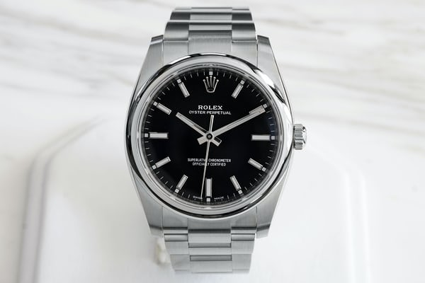 d66c08e6495 Let s start with the Oyster Perpetual 34. Black is inarguably the classic  color for a Rolex dial and it s great to see it come to the OP.