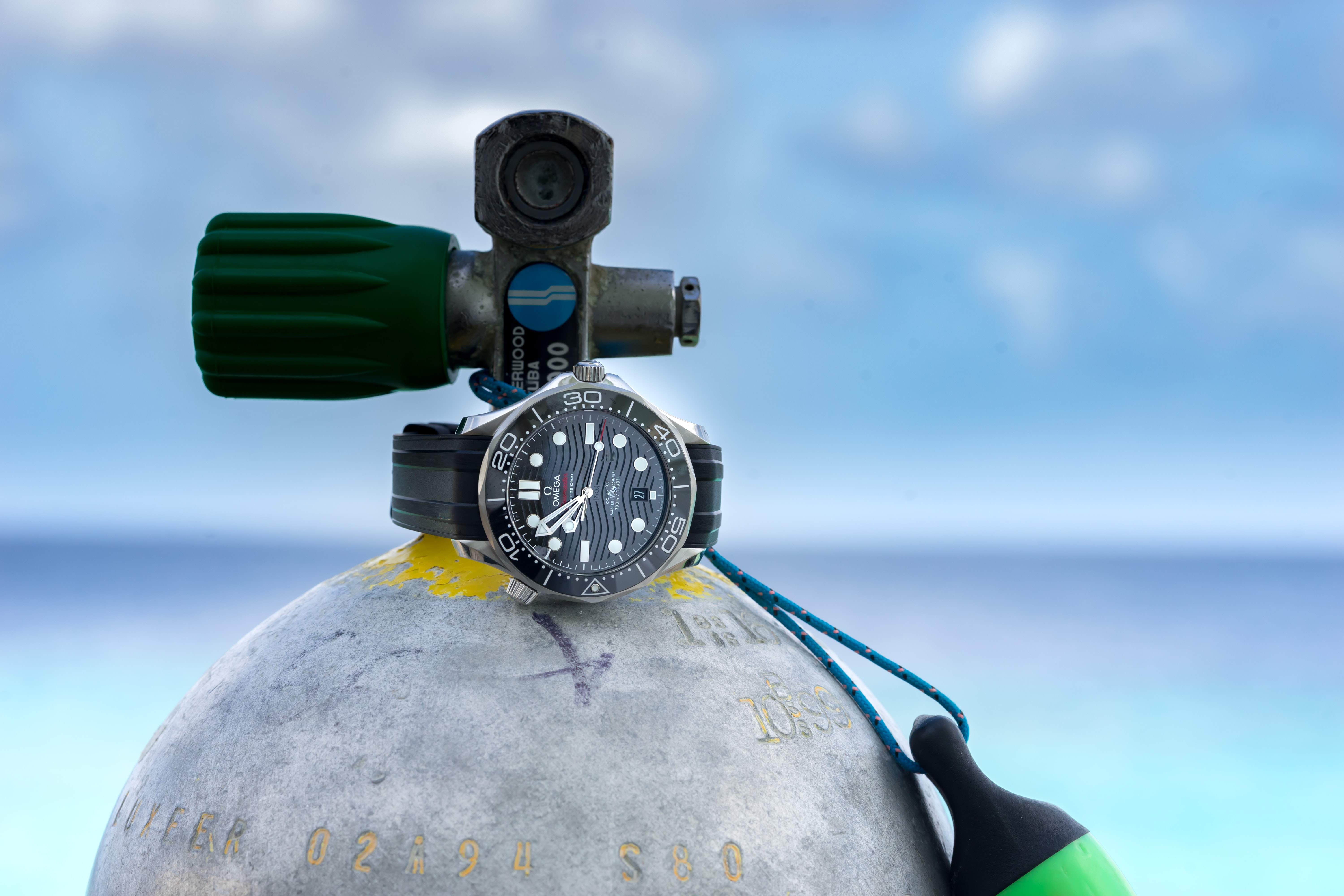 In-Depth: Diving With The Omega Seamaster Professional 300M SM300 pro 9