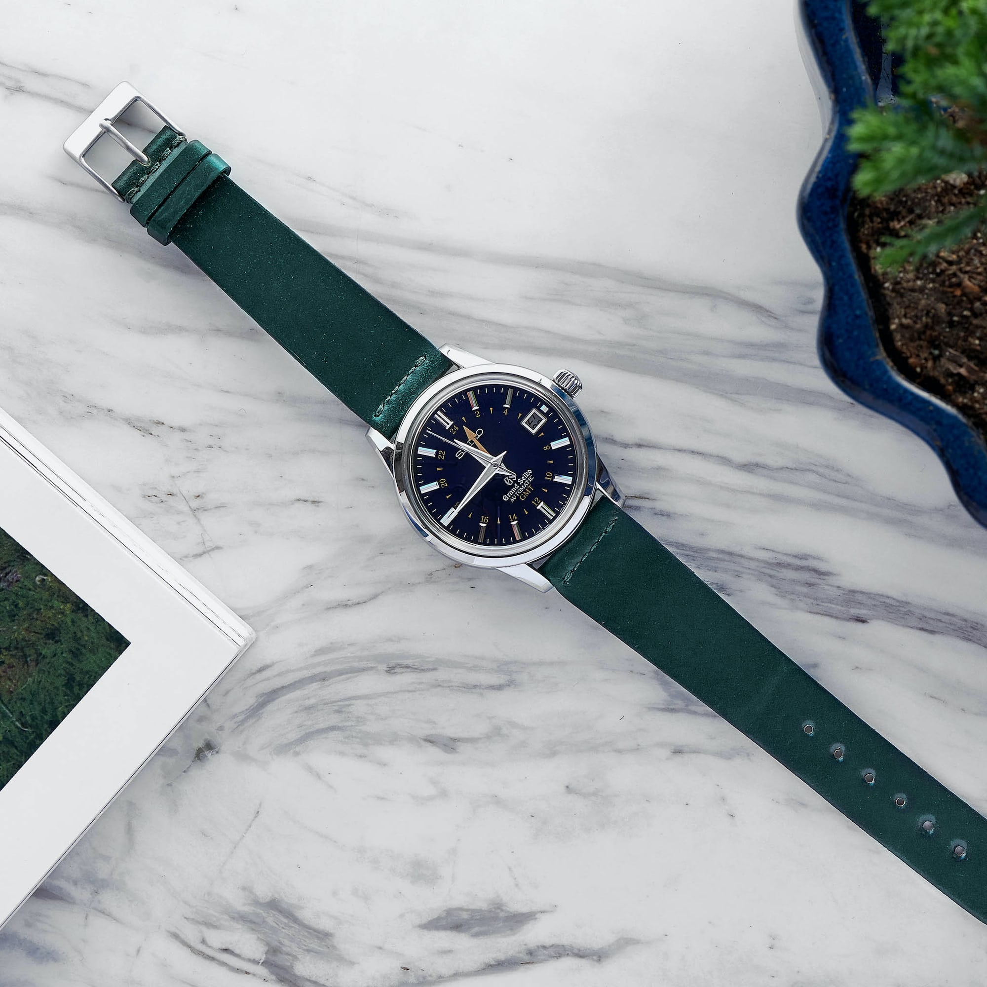 In The Shop – Our Favorite Watches And Accessories For The Fourth Of July SHELL U GN 20
