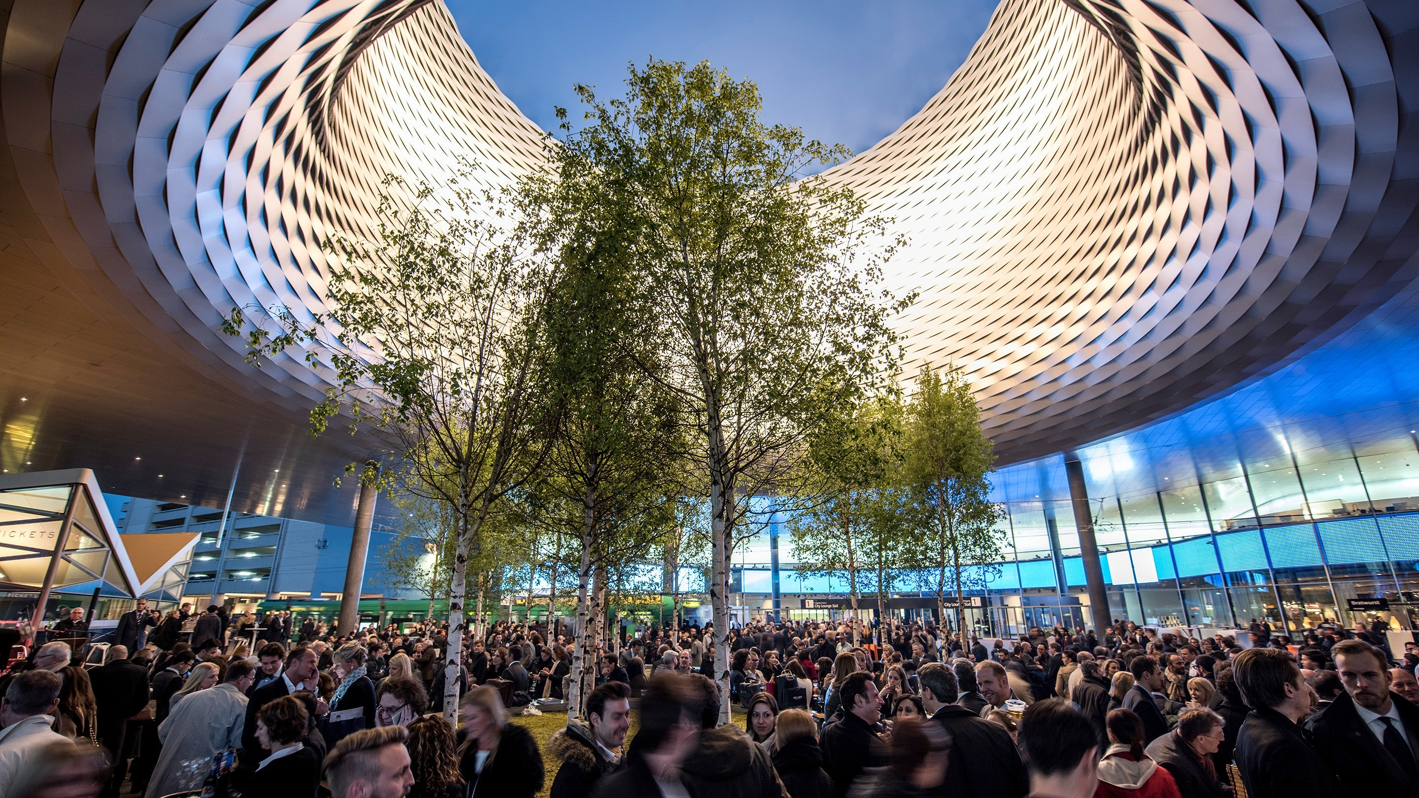 Business News: Head of Baselworld's Parent Company Is Out Amid Swatch Group Departure Baselworld 2015 Outside View