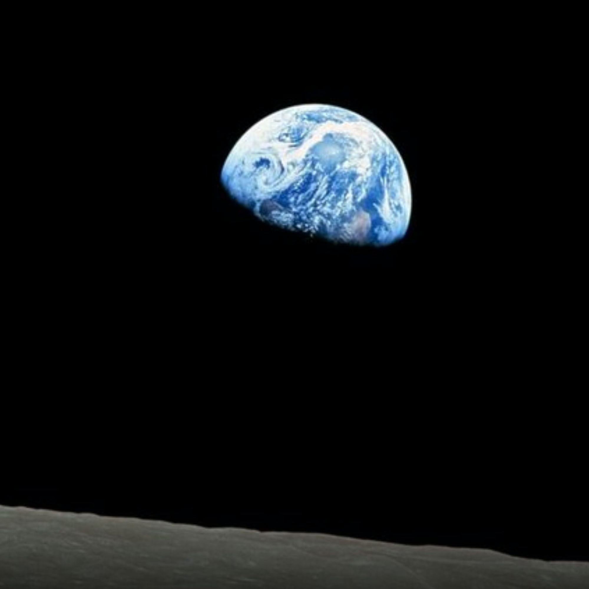 Weekend Round-Up: Views Of The Earth, New York City In The 1980s, And The Crazy Story Of The Porsche 959 moon