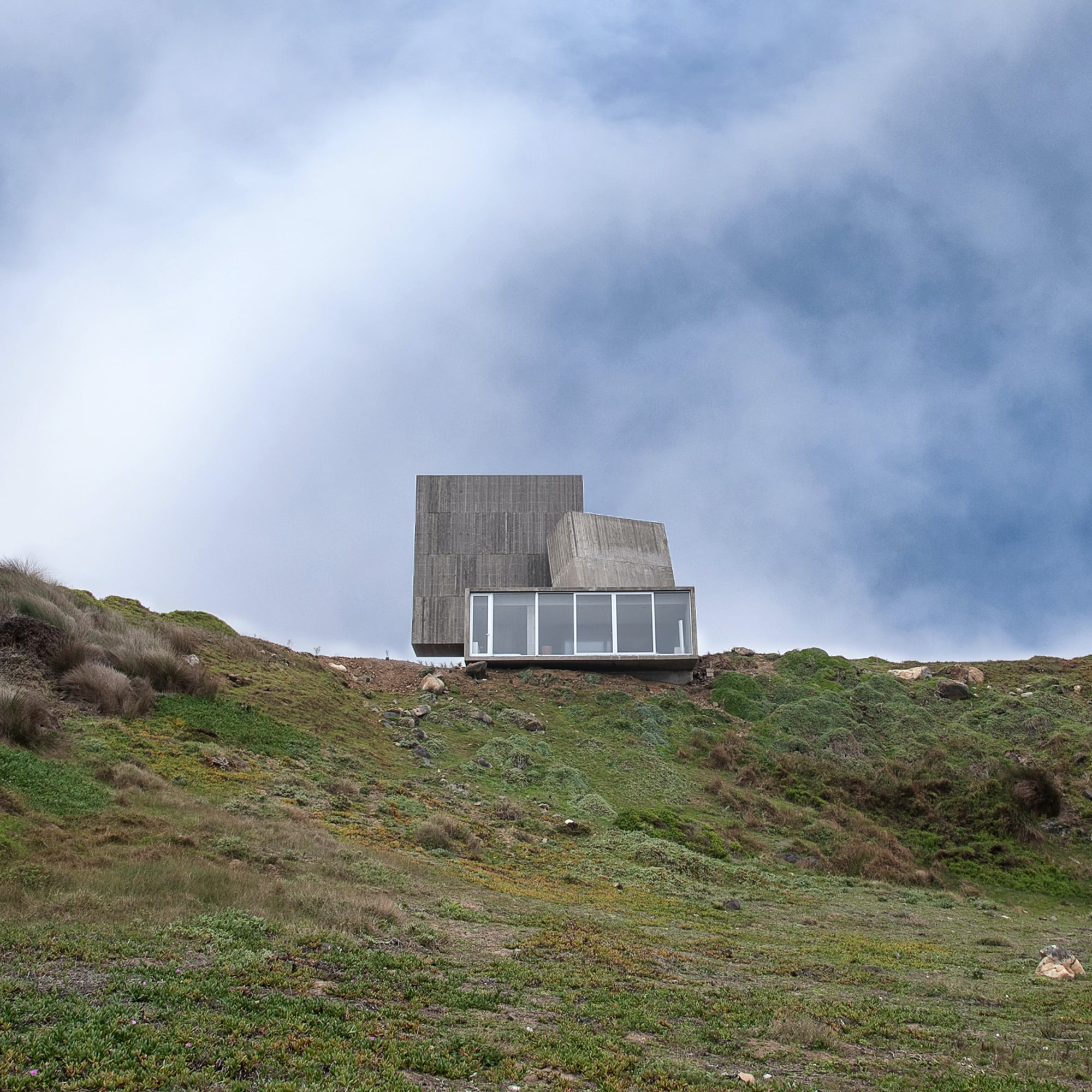 Weekend Round-Up: Autumnal Images, Chilean Concrete Architecture, And Understanding Cryptocurrency sp 1