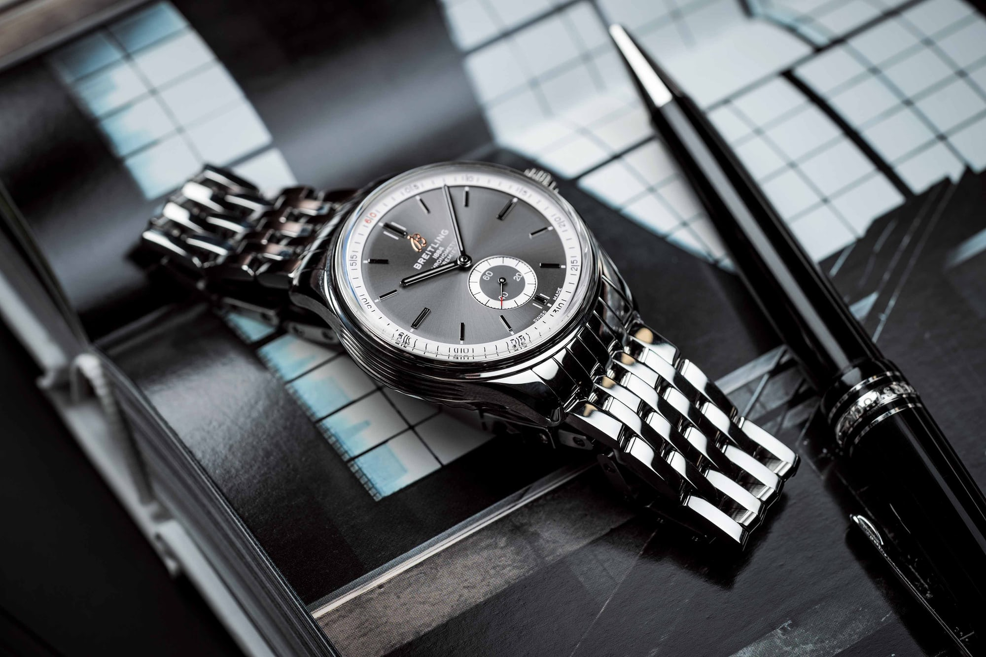 Introducing: The New Breitling Premier Collection (Live Pics & Pricing) 01 Premier Automatic 40 with anthracite dial and stainless steel bracelet