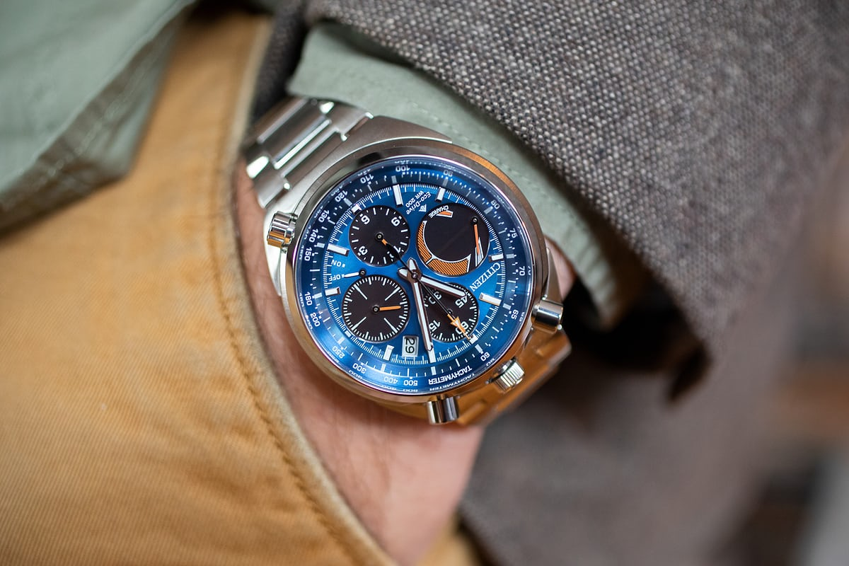 f5a9bce73 The chronograph feels pretty much exactly like a mechanical chronograph –  well, that's because it is a mechanical chronograph, at least as far as the  ...