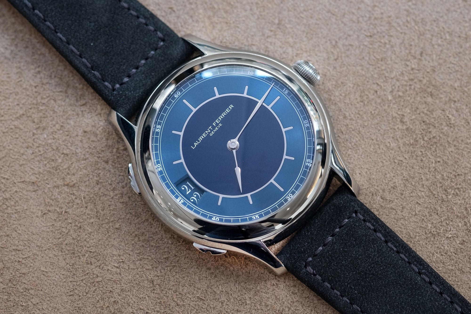 Auction Report: 13 Watches To Know About Going Into Phillips Geneva Watch Auction: Eight DSCF0030