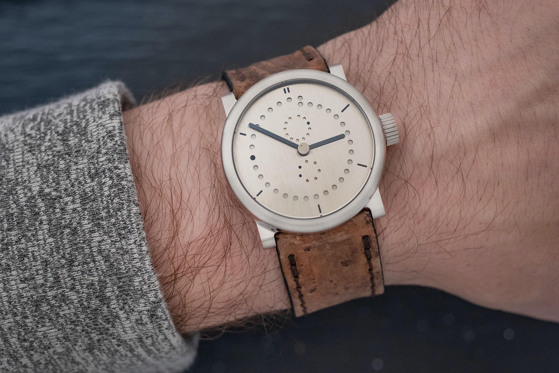 ochs-und-junior-annual-calender-36mm-on-wrist