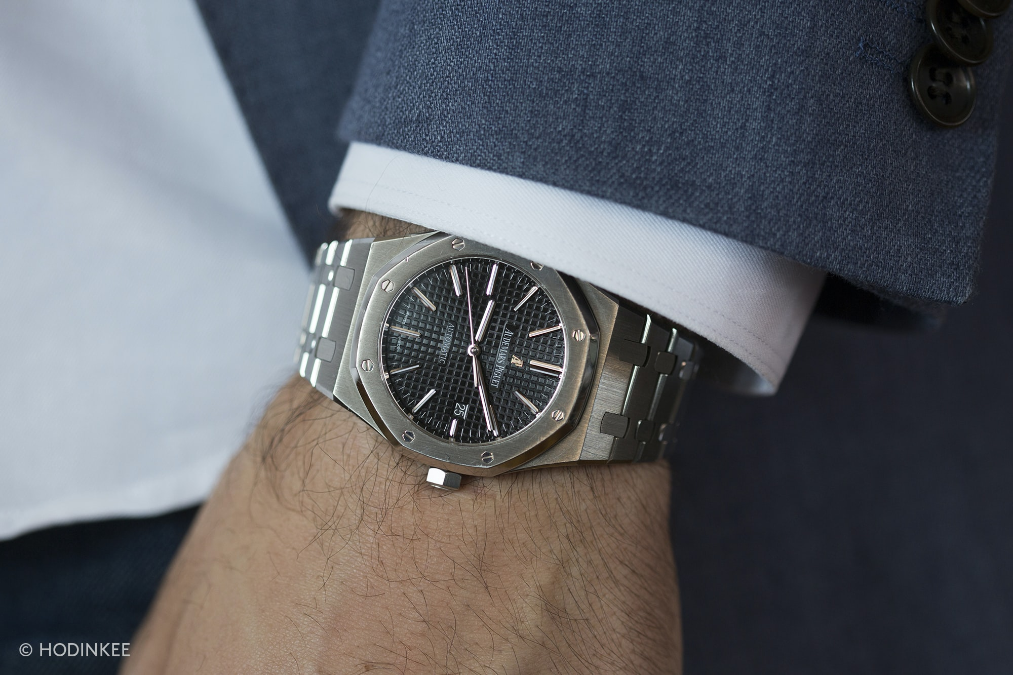 Happenings: Register Now For The HODINKEE 10th Anniversary Weekend 20012663 copy