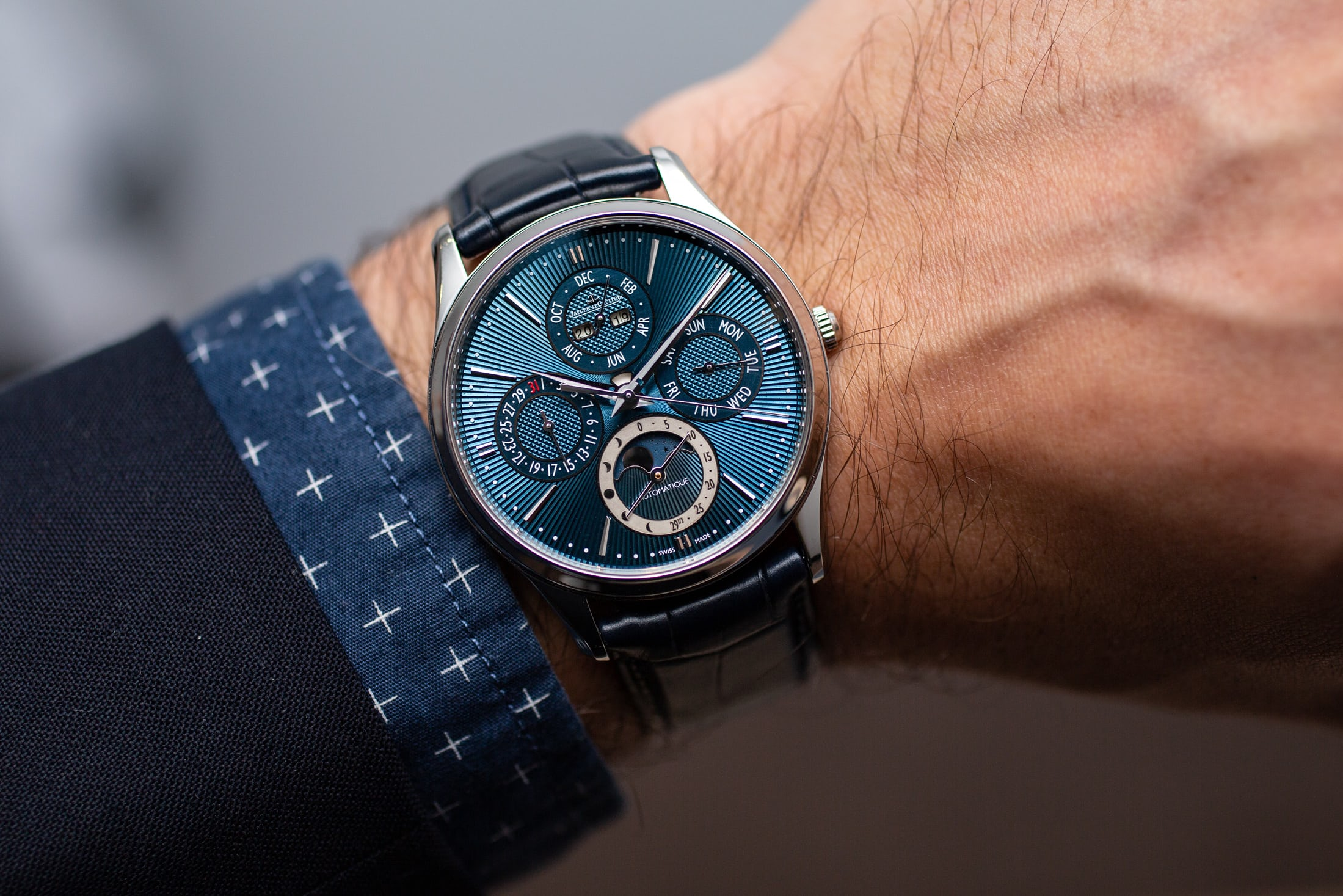 jaeger-lecoultre-master-enamel-limited-editions-Perpetual-on-wrist