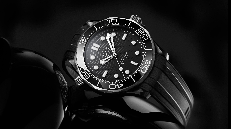 セラミックとチタンでステルス武装したオメガ シーマスター プロフェッショナル ダイバー300m