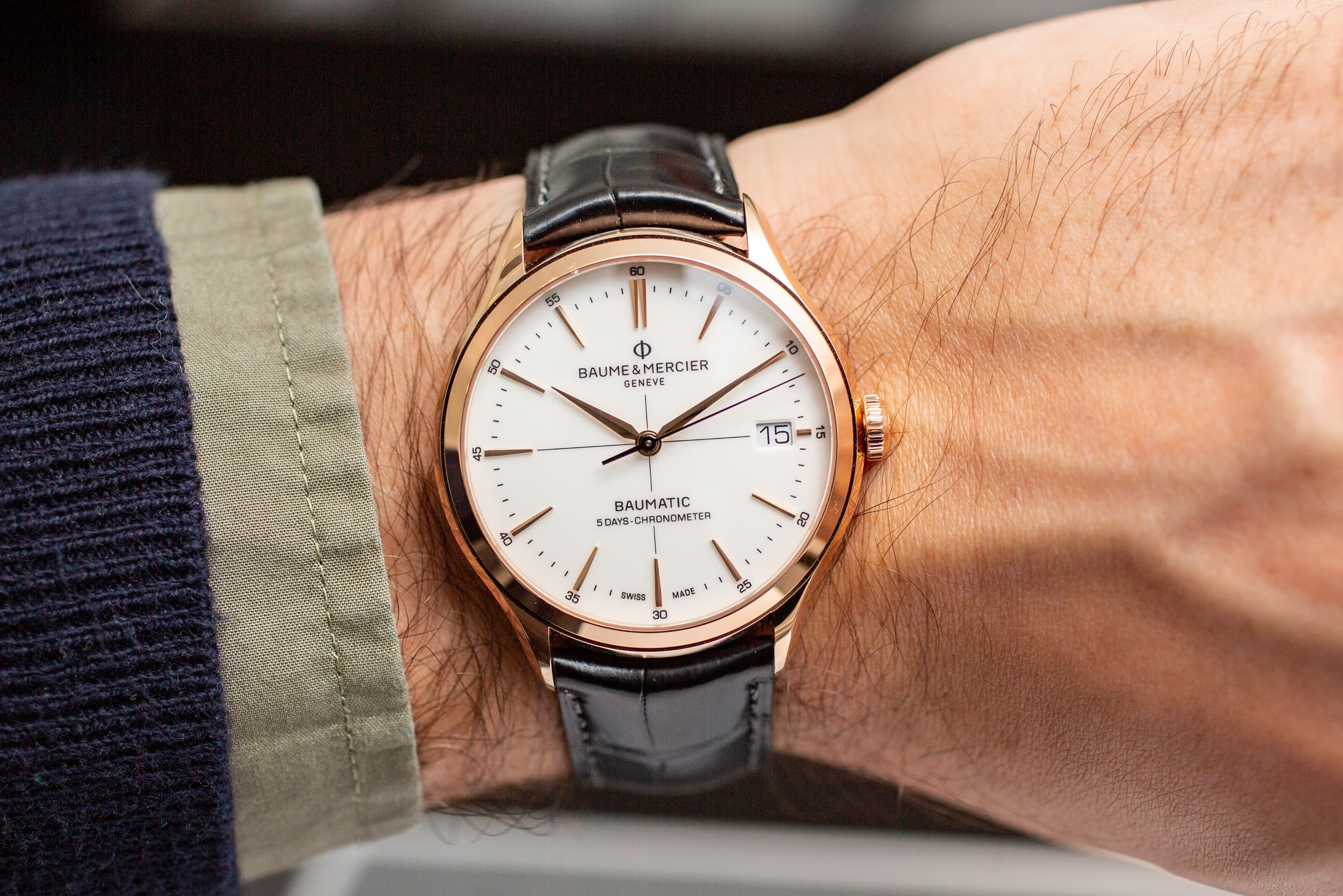 baume-and-mercier-clifton-baumatic-gold-case-1