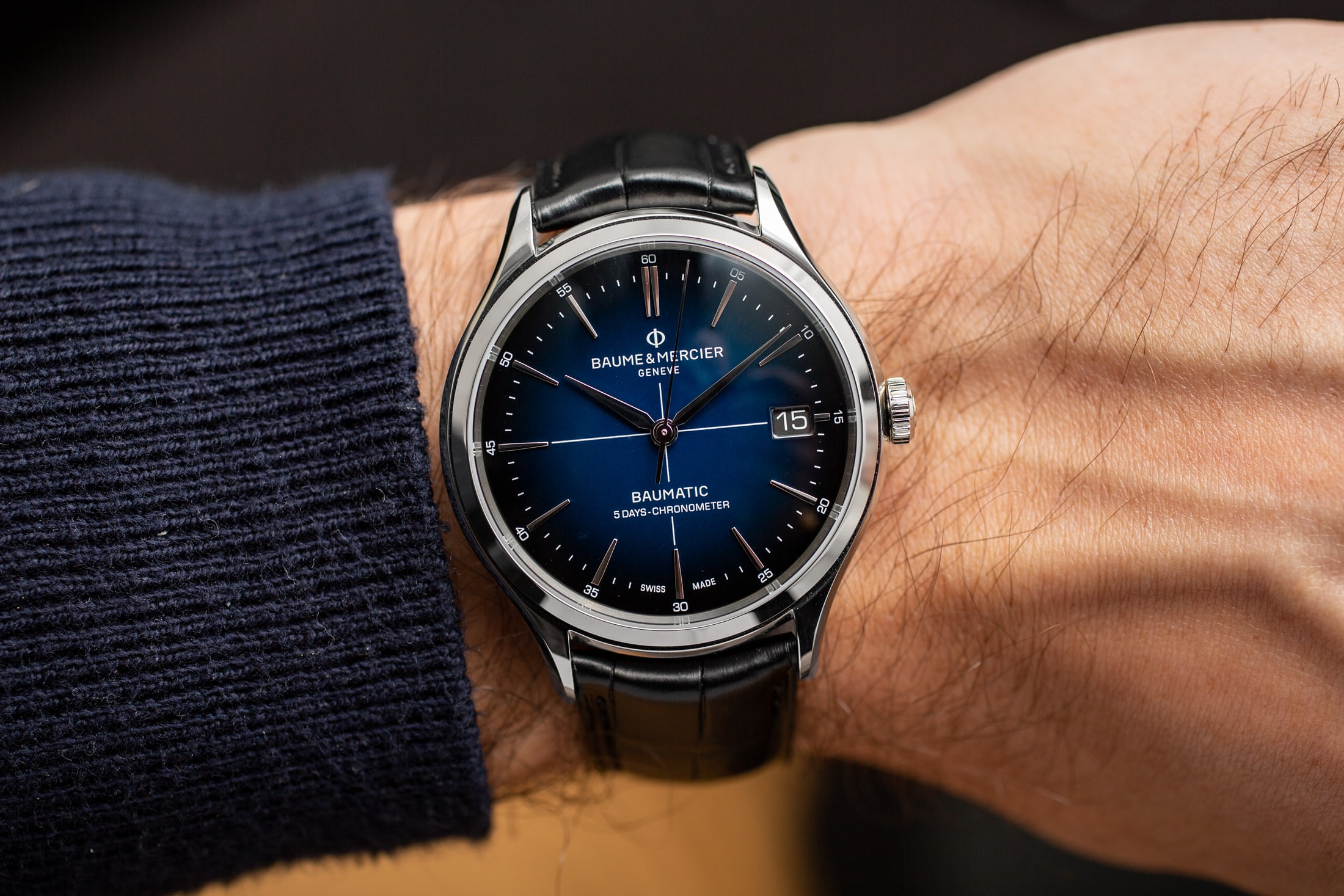 baume-and-mercier-clifton-baumatic-blue-dial