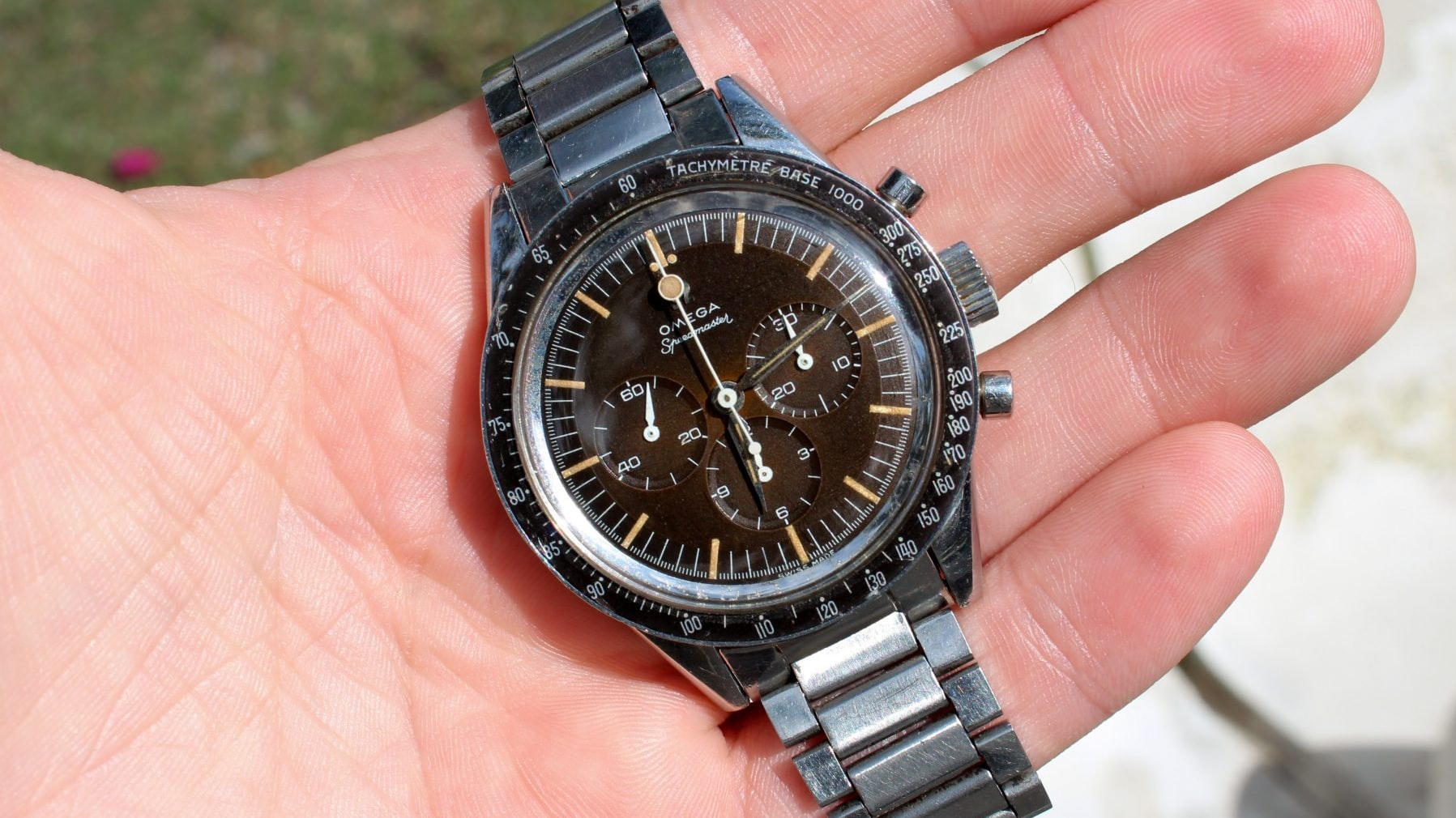 Bring a Loupe: A Heuer Camaro Ref. 7220, A Pair Of Jaeger-LeCoultre Atmos Clocks, And An Omega Speedmaster Ref. 2998-2