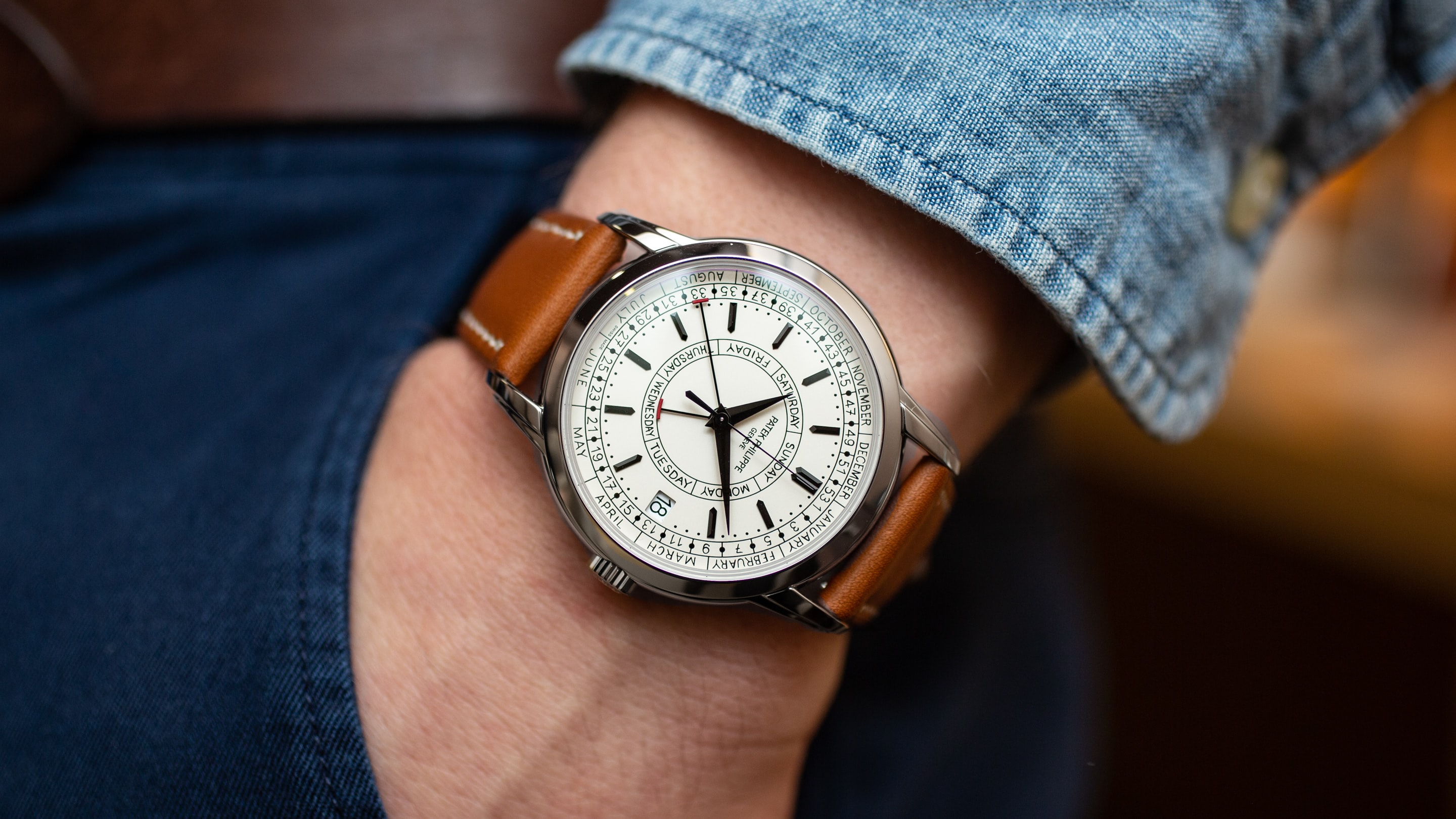 Hands-On: The Patek Philippe 5212A Calatrava Weekly Calendar