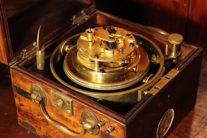 Marine chronometer by Frodsham, from the marine chronometer Wikipedia page