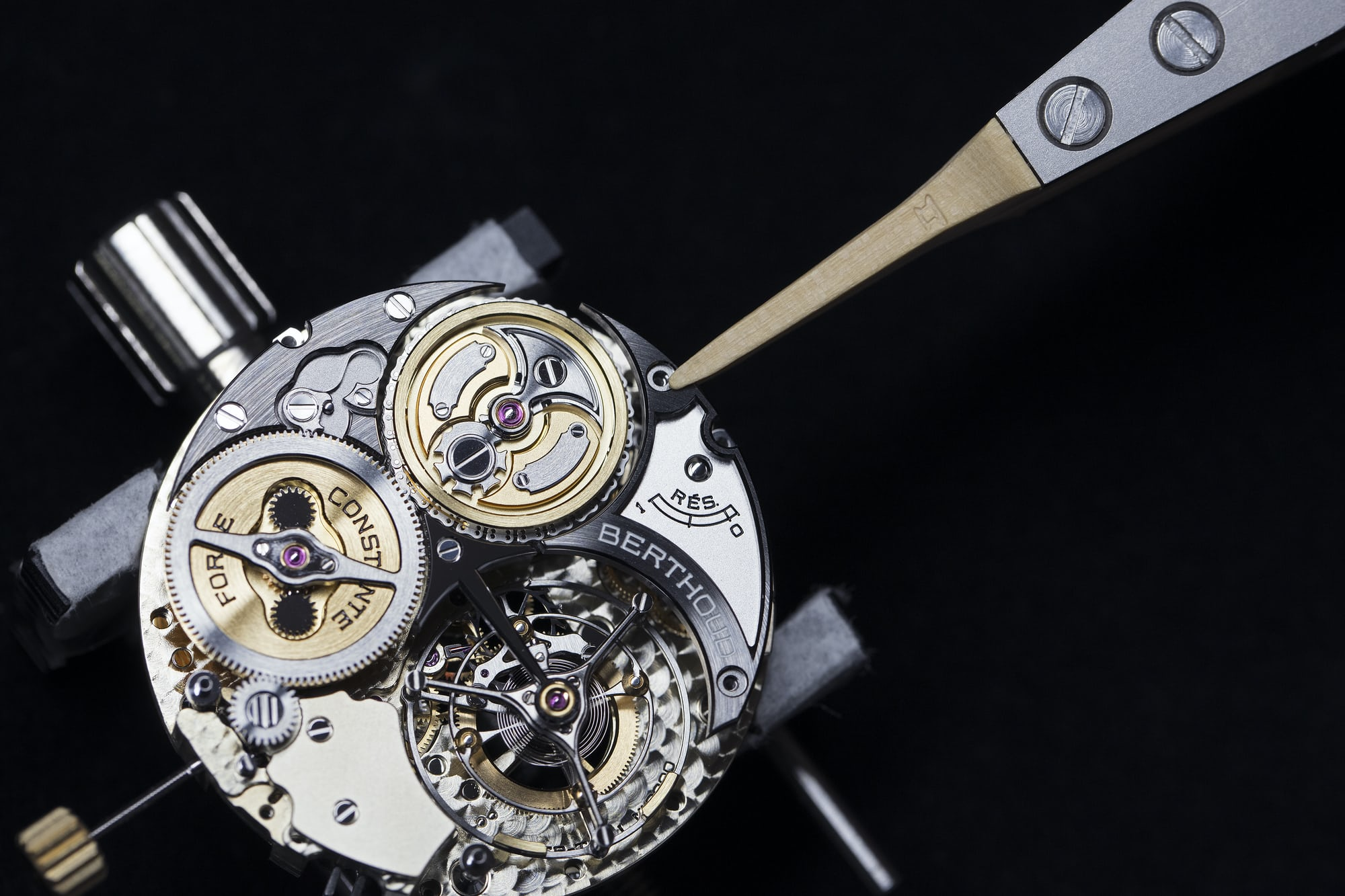 <p>Assembled movement, with hanging/suspended fusee cone and mainspring barrel.</p>