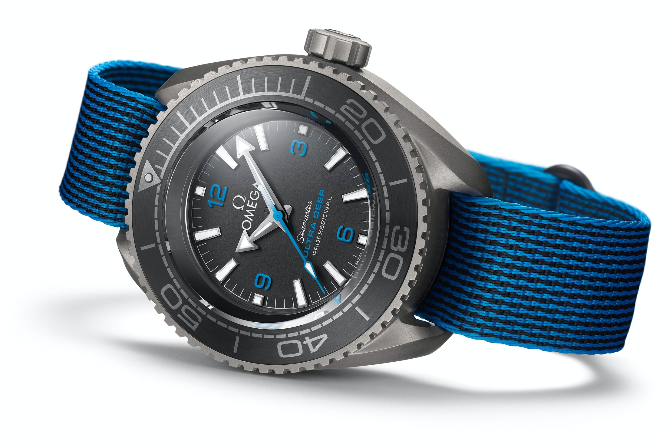 omega-seamaster-planet-ocean-ultra-deep-professional-1