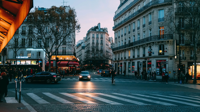 Weekend Round-Up: Stylish Set-Dressing, Madden Strategy, And Parisian Art