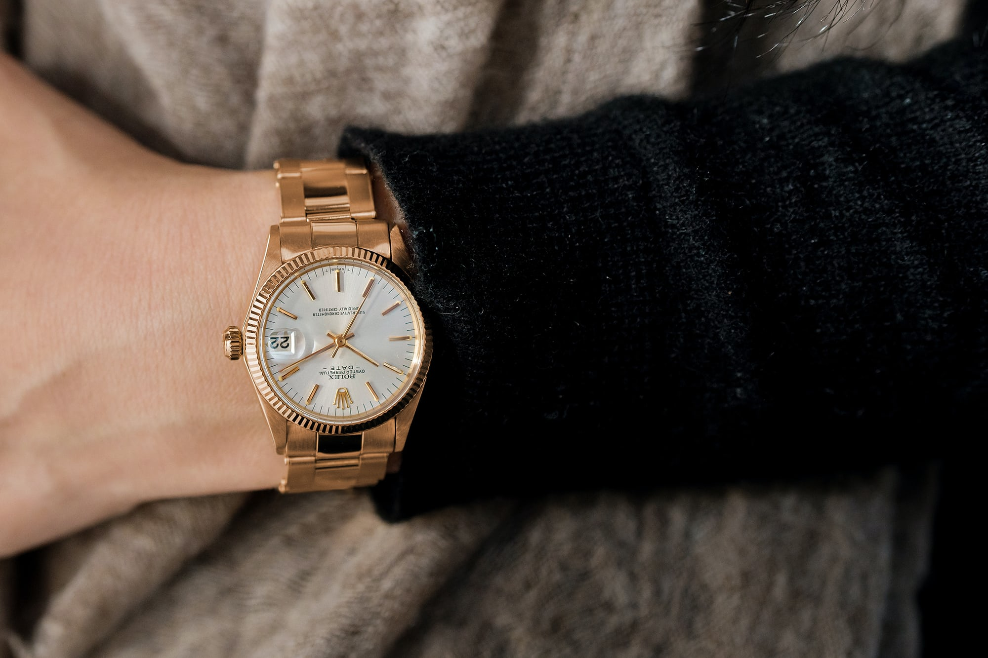 """<p><a href=""""https://shop.hodinkee.com/products/1972-rolex-oyster-perpetual-date-mid-size-ref-6627-in-18k-rose-gold"""" rel=""""noopener"""" target=""""_blank""""><u>1972 Rolex Oyster Perpetual Date 'Mid Size' Ref. 6627 In 18K Rose Gold</u></a></p>"""