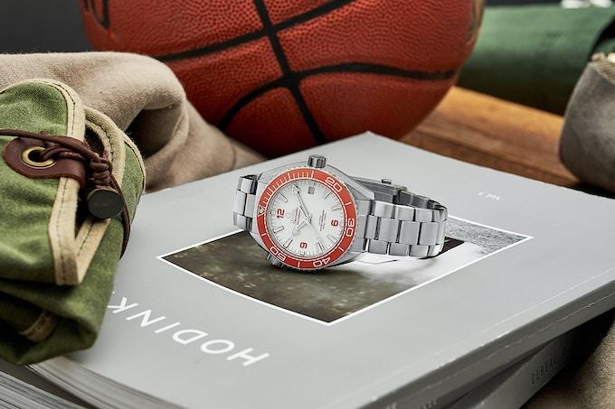 Omega120 Lifestyle landscape.jpg?ixlib=rails 1.1 - Top 3 mẫu đồng hồ Omega siêu chất dành cho thợ lặn
